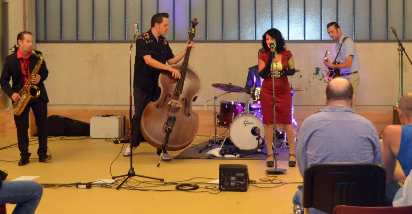 Nina & the Hot Spots rocken  in der JVA Offenburg.   | Foto: Julia Trauden