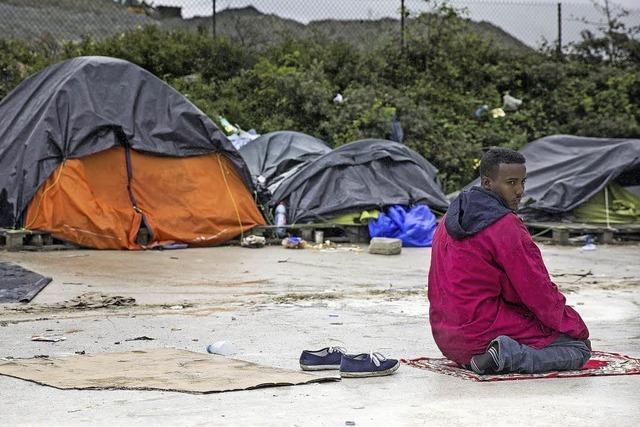 Über Frankreich versuchen Flüchtlinge nach England zu gelangen