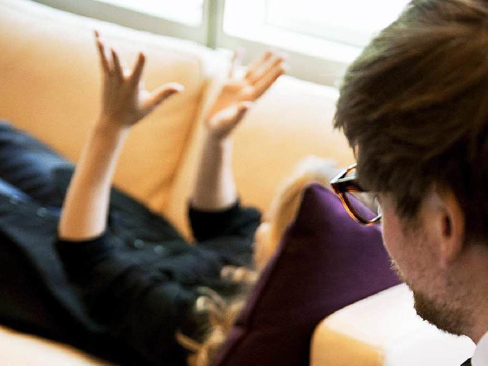 Mangelware Psychotherapie: Auf die ric...nke heute oft Wochen bis Monate warten  | Foto: dpa Deutsche Presse-Agentur