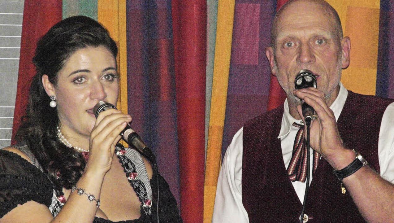 Bei seinem traditionellen Wunschkonzer...erpretiert vom Gesangsduo Vera und Uli  | Foto: Karin Stöckl-Steinebrunner