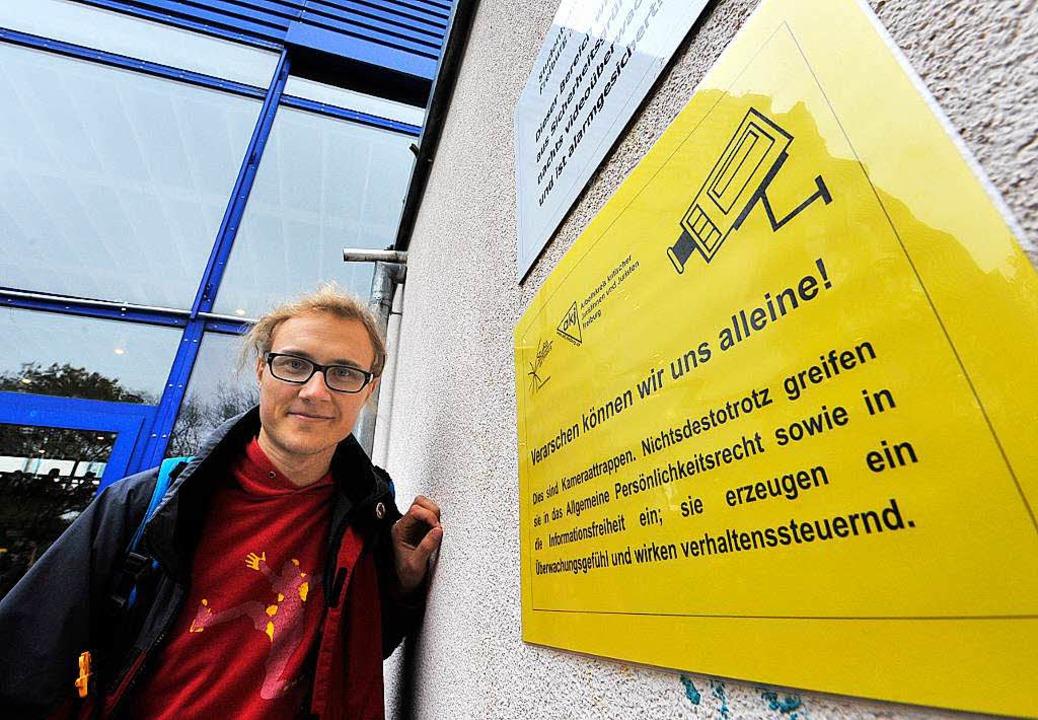 Jurastudent David Werdermann ist froh,...Kameras an der Mensa  jetzt weg sind.   | Foto: Michael Bamberger