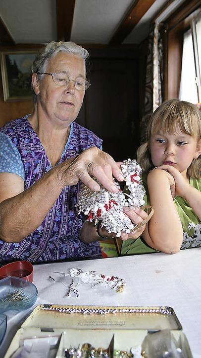 Besuch bei der Schäppelmacherin in Hauserbach im Jahr 2011  | Foto: Manuela Müller