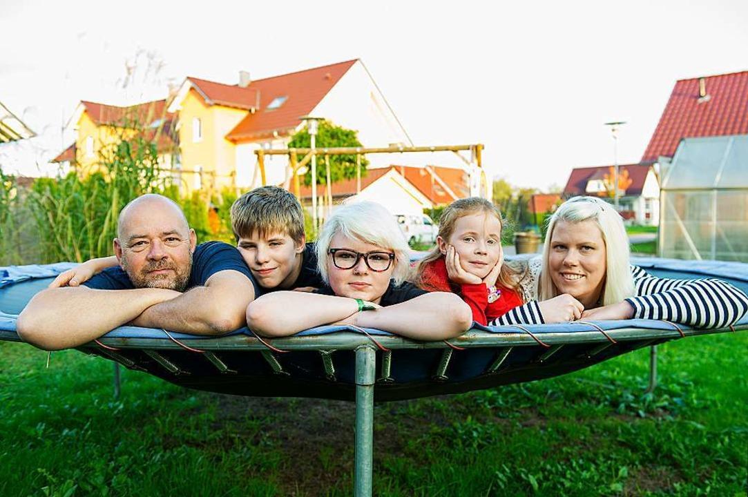 Einzelteile ergeben auch eine Familie ...und Alex (Leonie fehlt auf dem Bild).   | Foto: Daniel Schönen