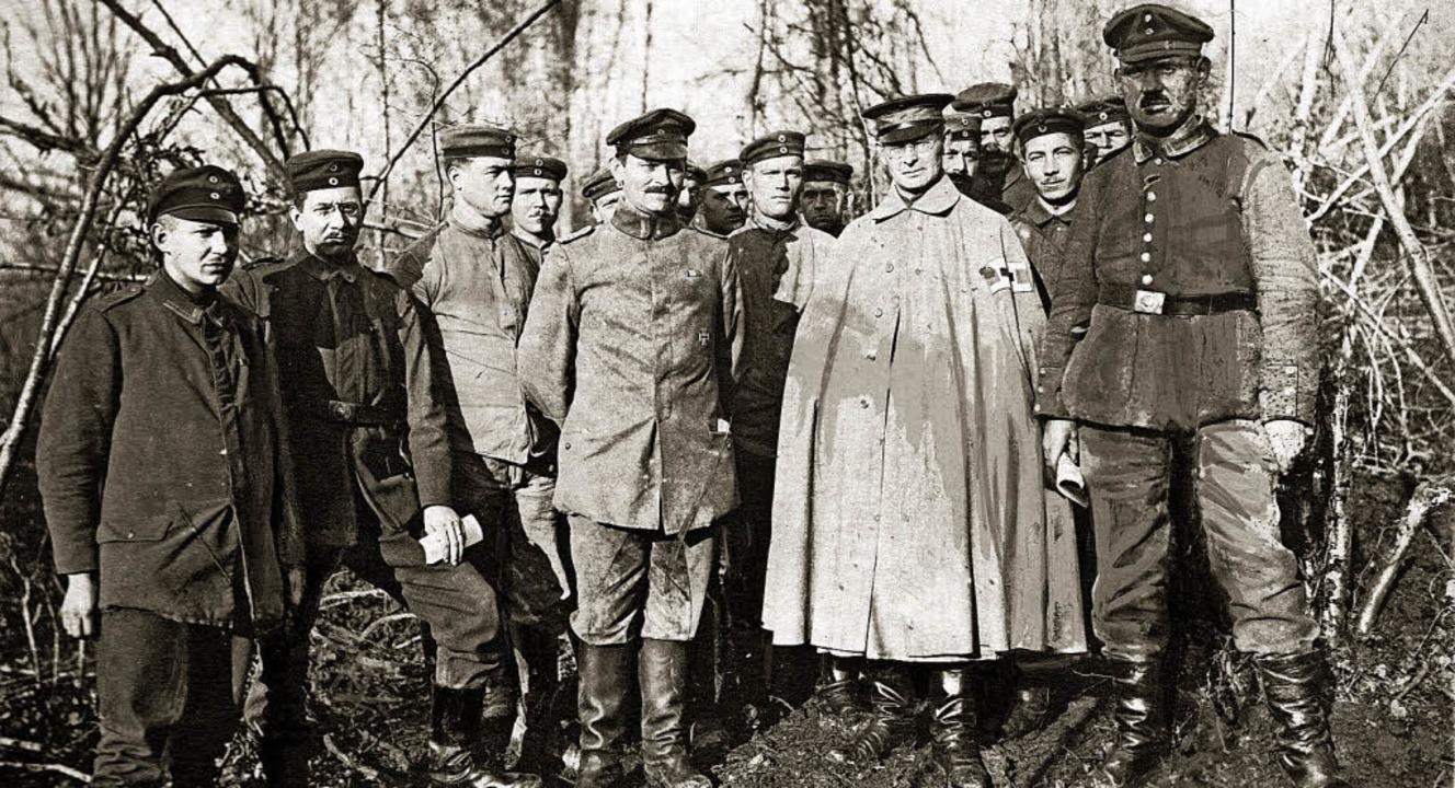 Jakob Ebner (im weiten, hellen Mantel) war Feldgeistlicher im Ersten Weltkrieg     Foto: ZVG
