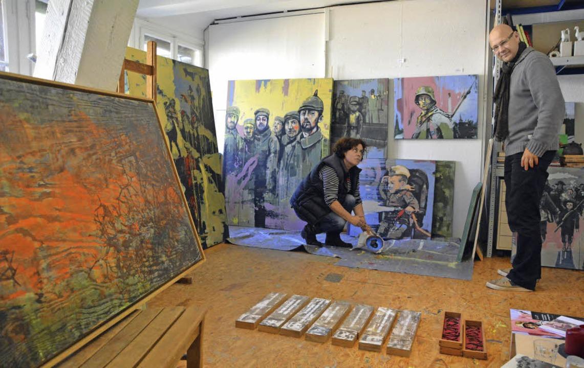 Was der  Krieg hinterließ, stellen Bea...Christoph Geisel mit ihrer Kunst dar.     Foto: Barbara Ruda