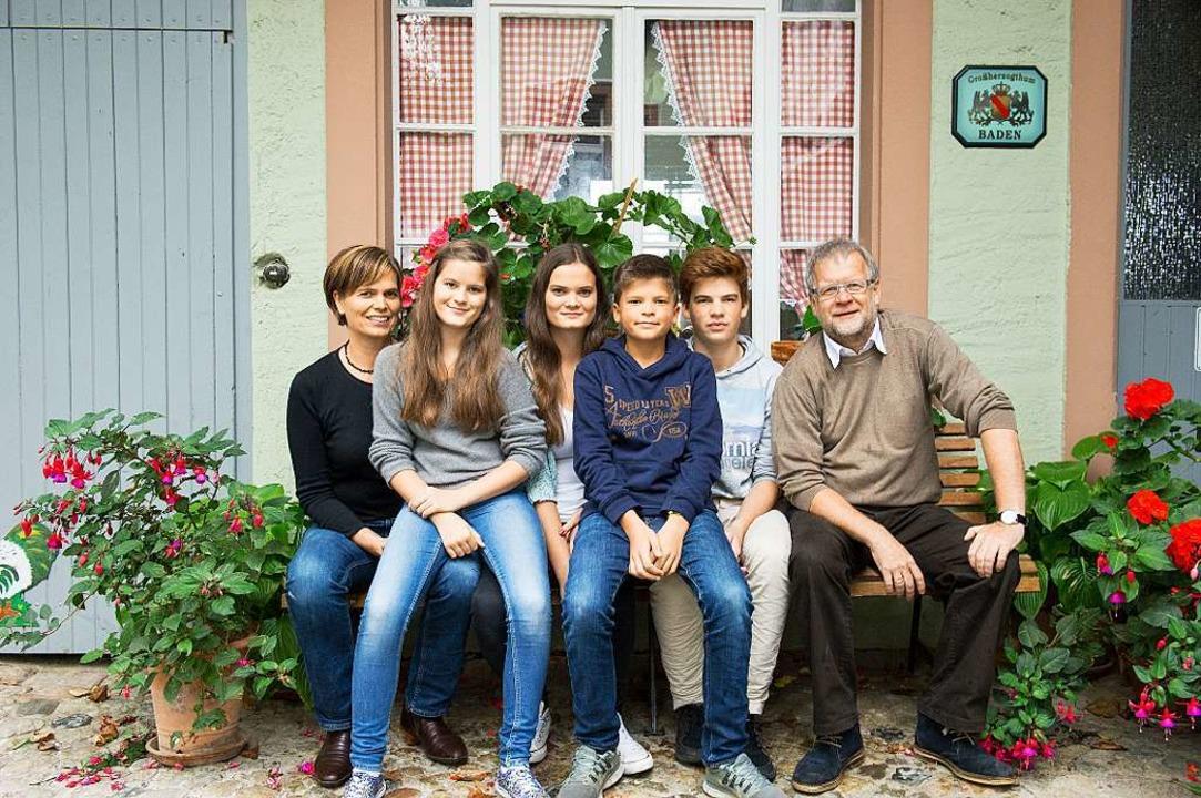 Eine Familie, ein Band: Regina, Anna, ...as, Jakob und  Thomas Dees (von links)    Foto: Daniel Schoenen