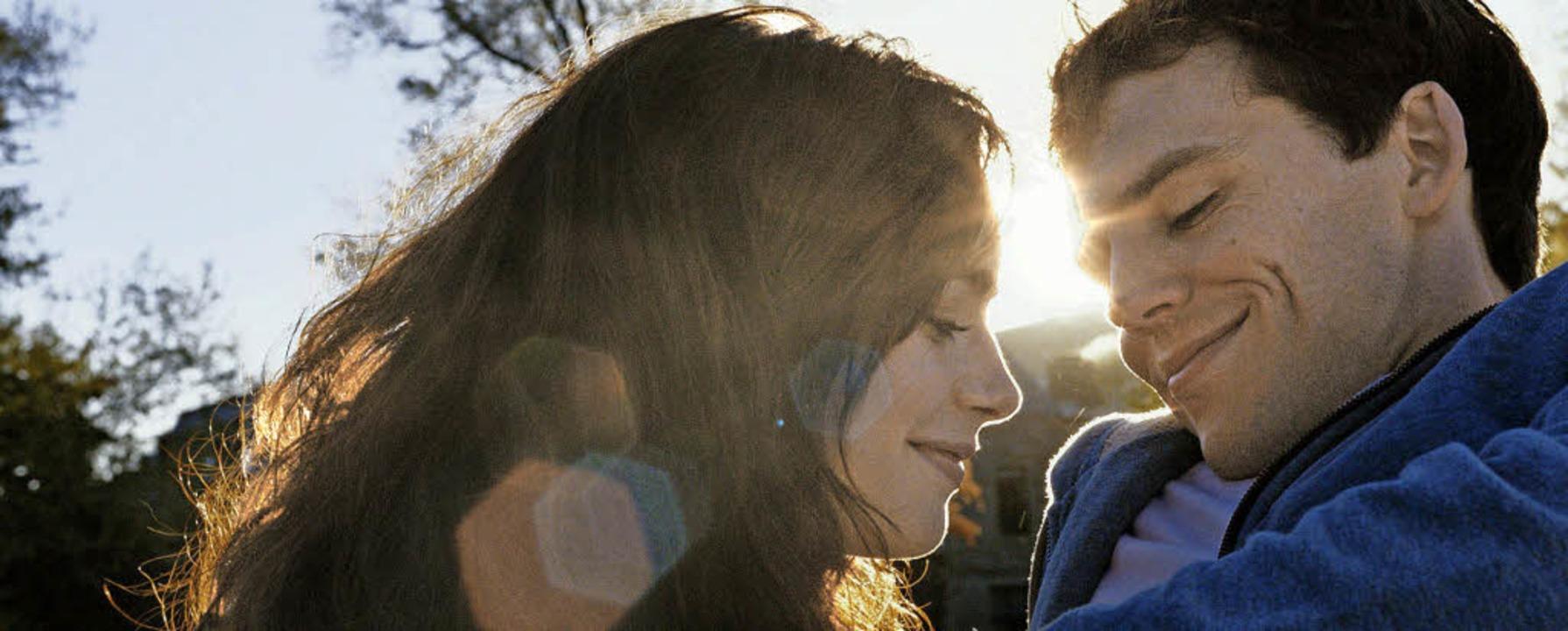 Endlich Liebe: Rosie und Alex (Lily Collins, Sam Claflin)   | Foto: Constantin