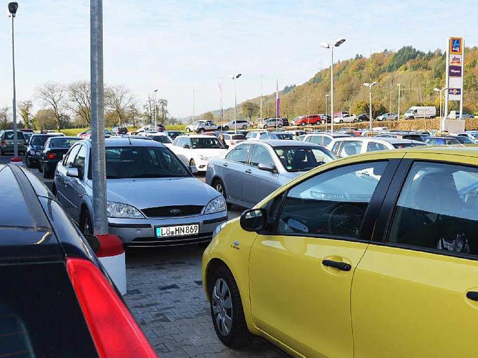 Es war schwierig, einen freien Parkplatz zu finden.  | Foto: Peter Gerigk