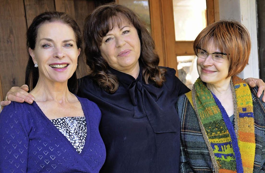 Die drei Hauptdarstellerinnen im Film ...ebe, Gundi Ellert und Barbara de Koy.   | Foto: Franziska Amann