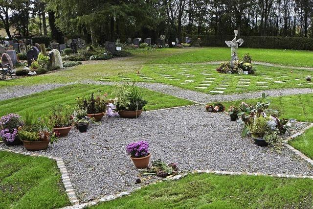 Friedhof ist auf dem Weg zur Einheit