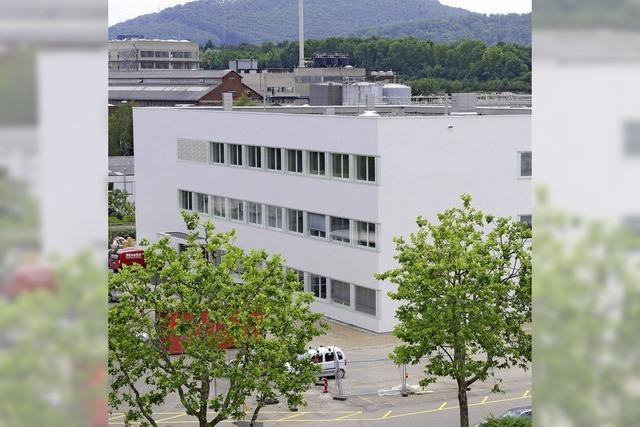 Novartis weiht neues Laborgebäude ein