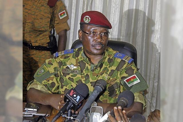 Burkina Faso: Das Volk rebelliert - Die Armee nutzt die Chance