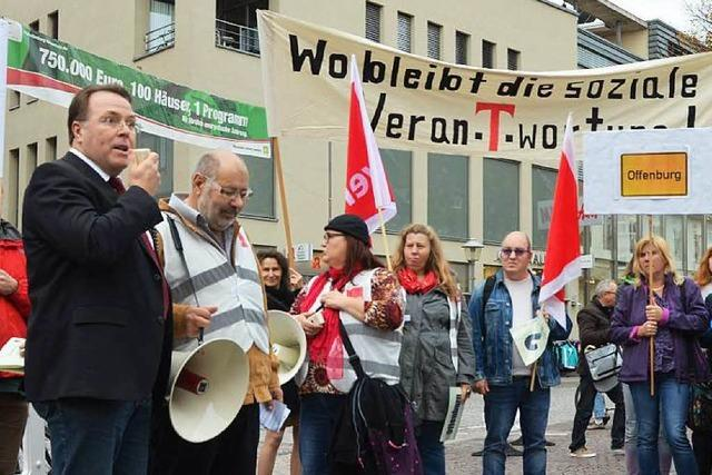 Telekom-Mitarbeiter protestieren gegen Standortschließung