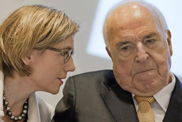 Kohl sorgt sich um Europa - auch in seinem neuen Buch