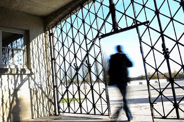 Tor des Dachauer KZ gestohlen – waren Neonazis am Werk?