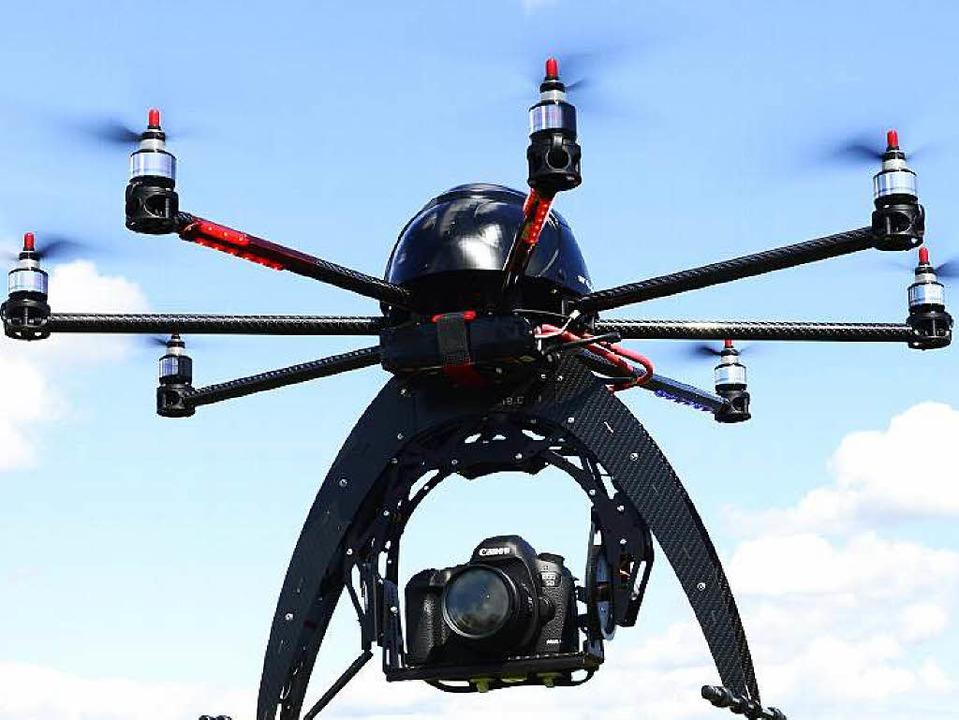 Drohne mit Kamera   | Foto: Schneider