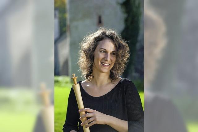 Die Flötistin Silke Gwendolyn Schulze spielt in Rümmingen