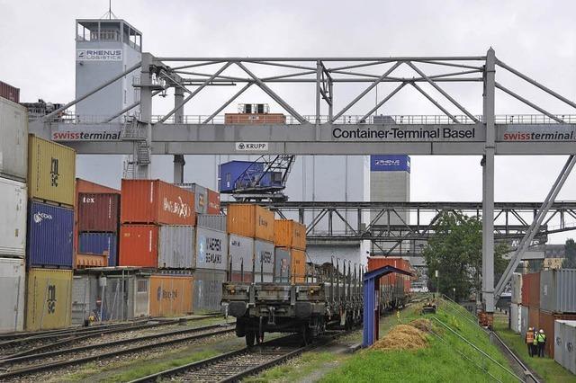 Mehr Container, aber weniger Mineralölprodukte