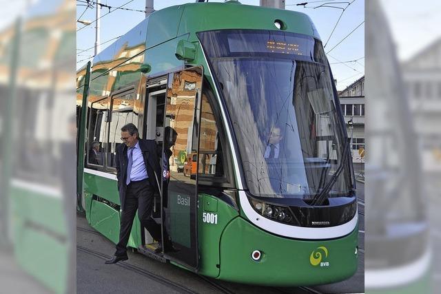 Flexity am Rheinknie - die erste neue Tram geht in Betrieb
