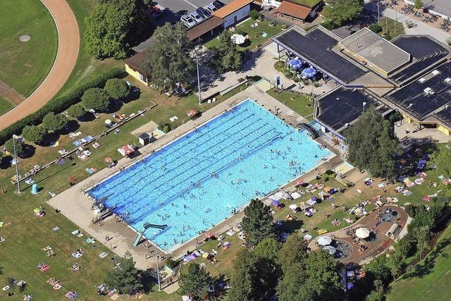 Rathaus will Schwimmbad am jetzigen Standort erhalten