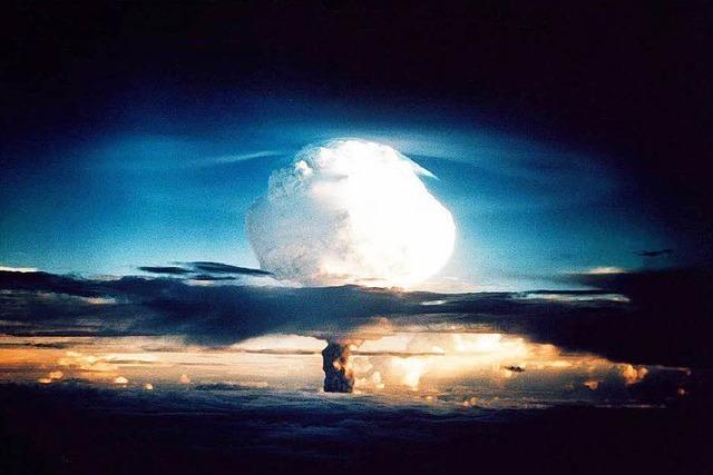 Haben deutsche Banken den Bau von Atombomben unterstützt?