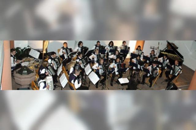 Ein festlich-fröhliches Konzert zum 80. Geburtstag der Harmoniker