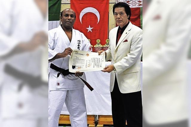 Hohe Auszeichnung für Karateka