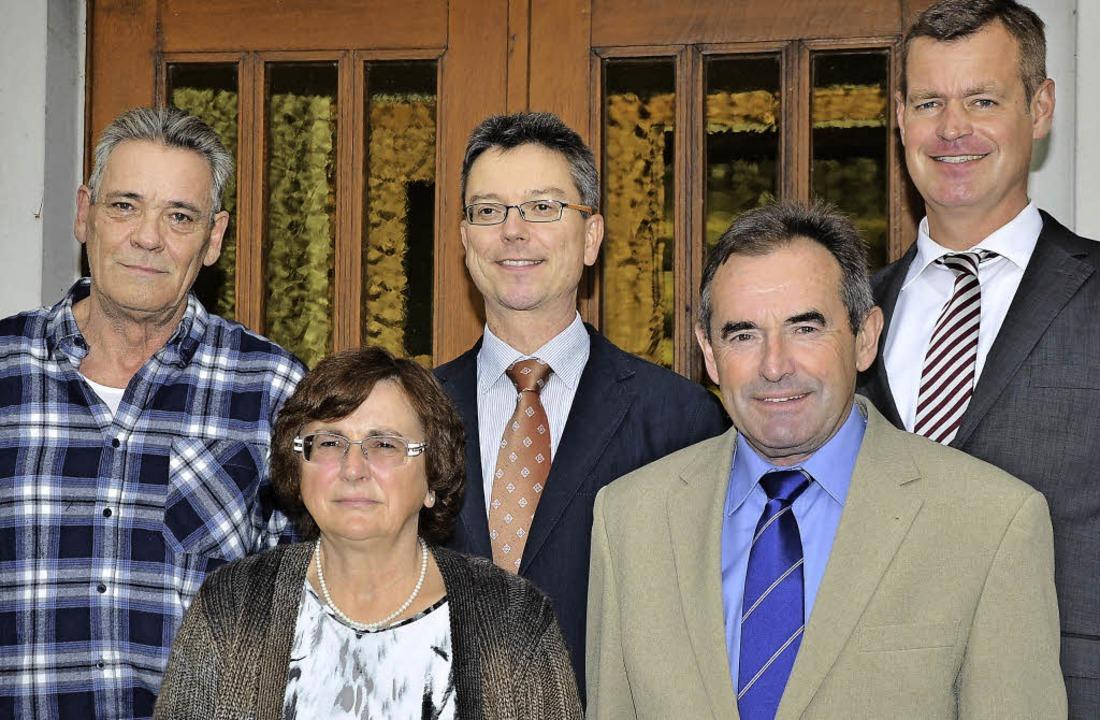 <Text>Alois Lupfer (Zweiter von rechts...n den Ruhestand verabschiedet. </Text>    Foto: hans-jochen Voigt