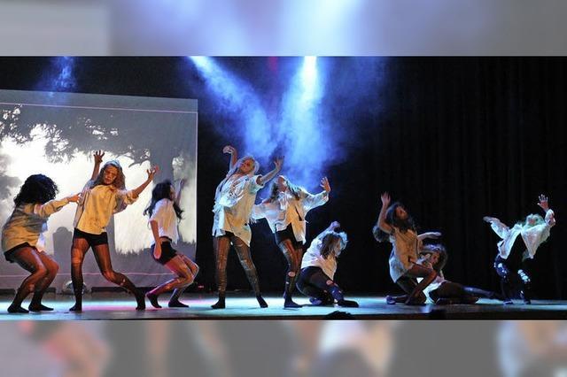 Tanzaufführung des Turnvereins Laufen in Sulzburg