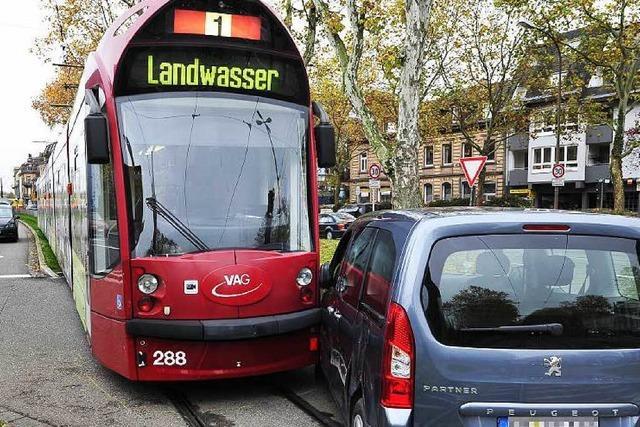 Wieder Tram und Auto zusammengeprallt