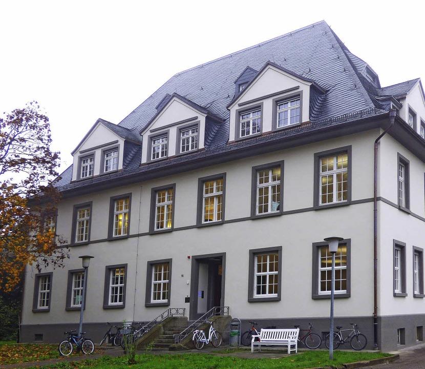 Die Villa Bauer wurde nach dem Brand vor zwei Jahren aufwändig saniert.  | Foto: Frank Leonhardt