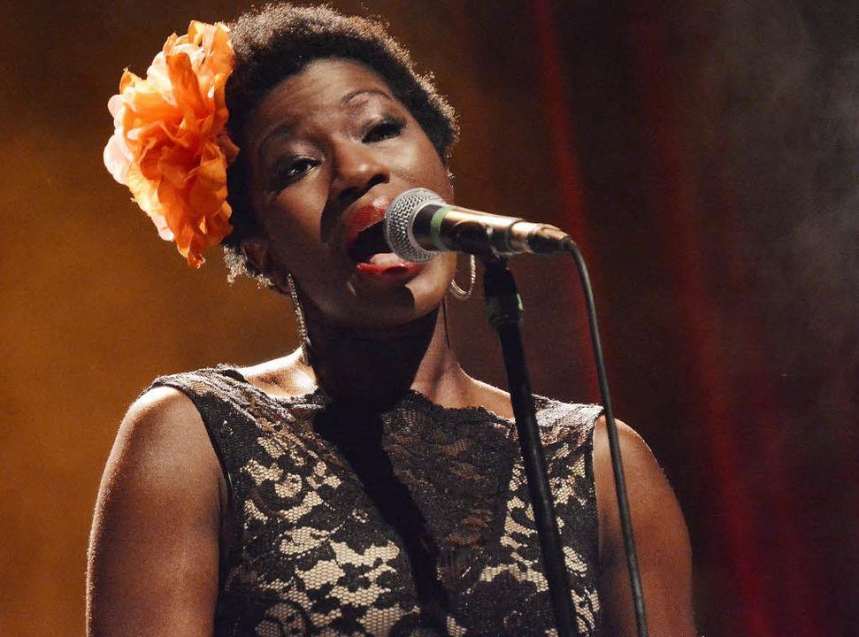 Jüngste Konstante im Bandkollektiv: Sängerin Vanessa Haynes   | Foto: Barbara Ruda