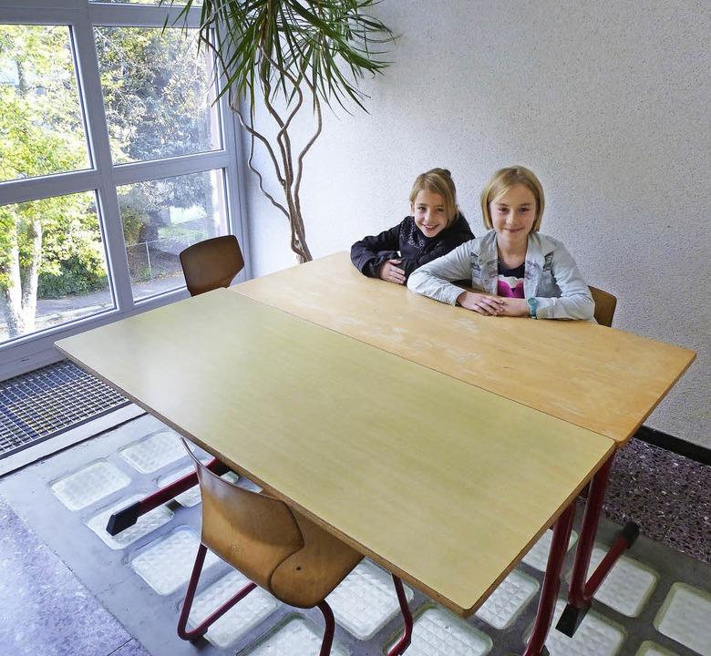 Hansjakobschule, 4b, Zisch, nicht schö...beth Russo (rechts) und Katharina Kern  | Foto: Peter Stellmach