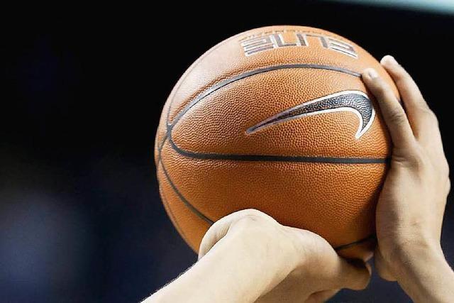 Korbleger und Stoßstangen: Die Breisgau Baskets in Aktion