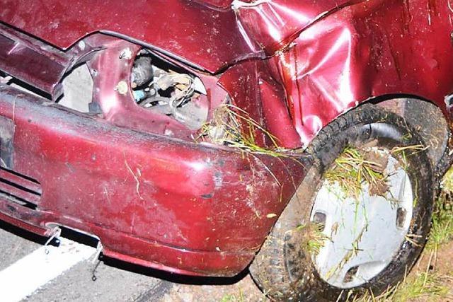 Auto überschlägt sich bei Titisee – Fahrer verletzt