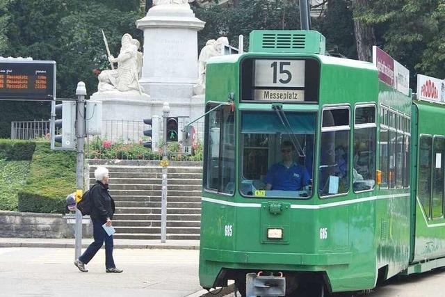 Spanischer Tourist legt Tramverkehr in Basel lahm