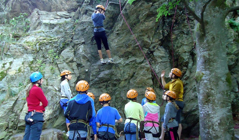 Eine Aktivität von vielen: ein Kletterkurs für Schüler  im Felsele  | Foto: Privat