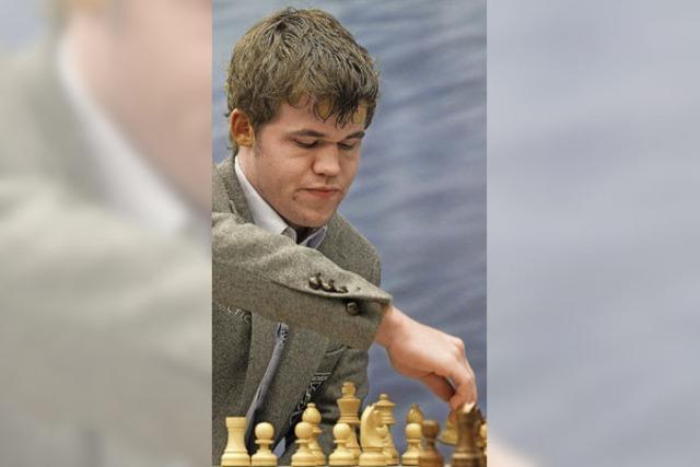 Der Mozart des Schachs liegt in Führung