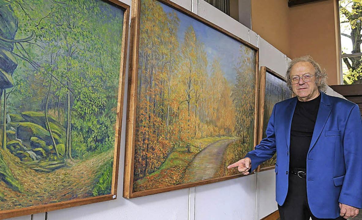 Walter Sekinger, Gründungsmitglied der... ist,  mit seinen Bildern vertreten.    | Foto: Sandra Decoux-Kone