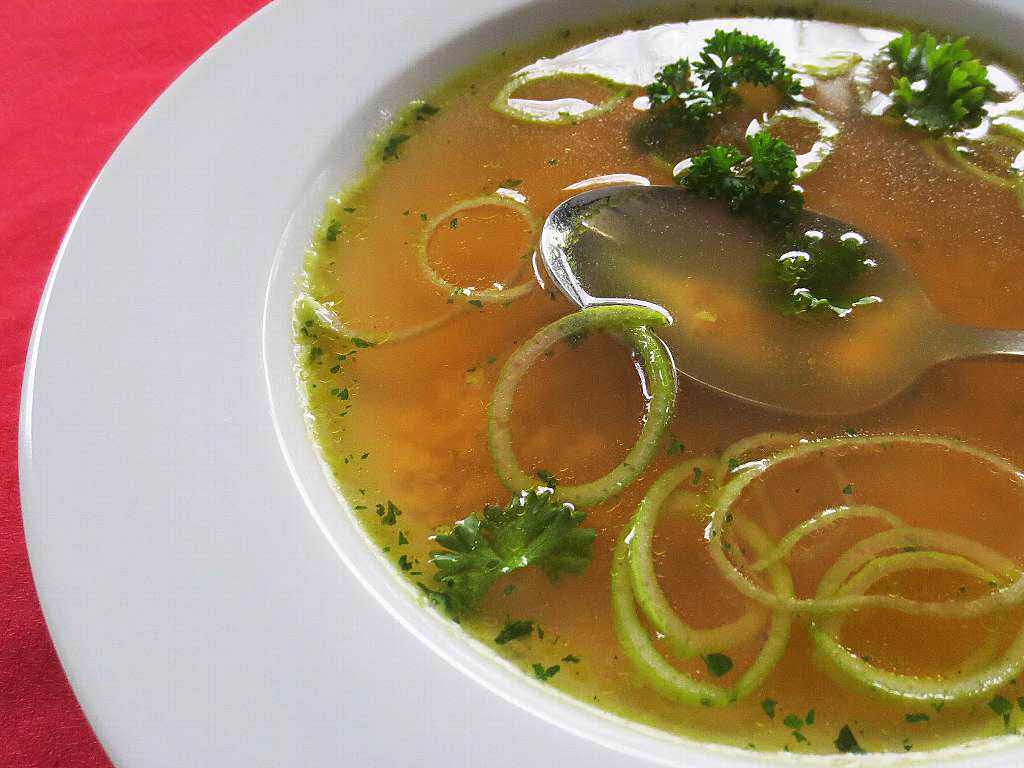 schwarzw lder zum tag der suppe ein essen f r alle gastronomie badische zeitung. Black Bedroom Furniture Sets. Home Design Ideas