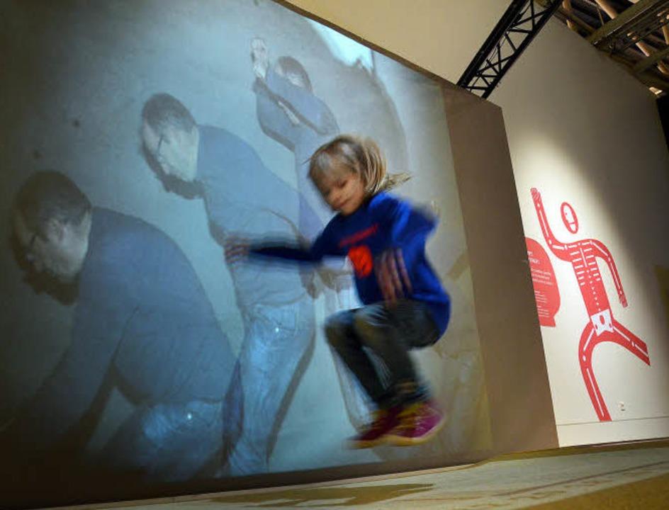 Auf dem Sprung: Der Computer berechnet...hn – die Kinder haben den Spaß.   | Foto: Anselm Busshoff