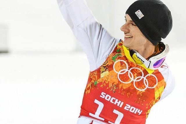 Skisprung-Saison ist eröffnet: Auftakt mit finnischer Hilfe