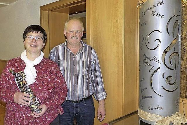 Kirchenchor Lembach ehrt Thomas Troll