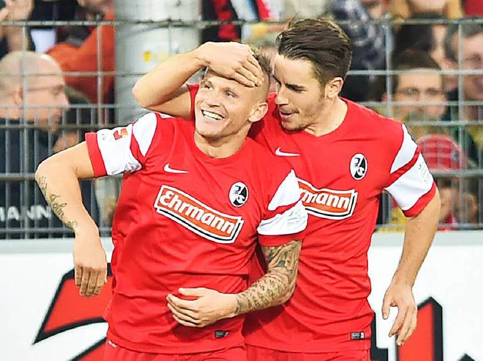 Aus dem Nachwuchs in die Bundesliga: D...an Schmid (links) und Christian Günter  | Foto: dpa