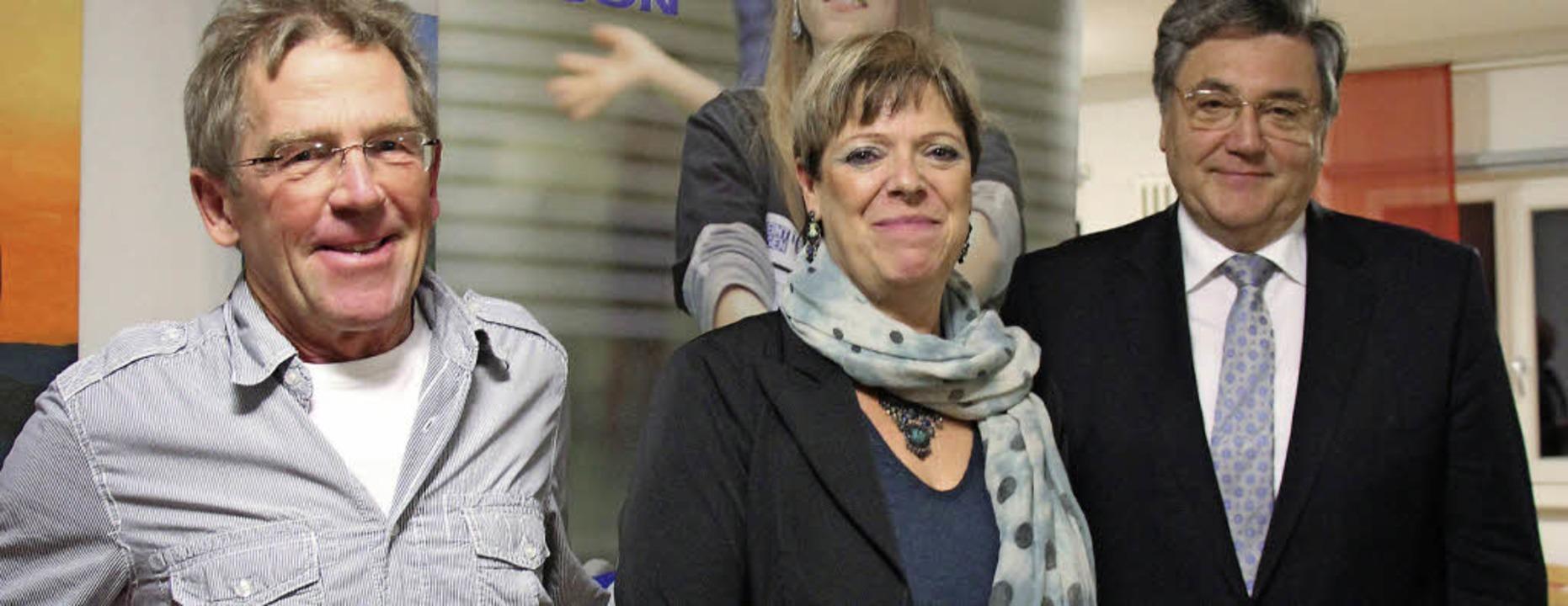 Sabine Wölfle, Erwin Grom und Martin S...rächtigungen in Sportvereinen freuen.   | Foto: Stefanie Sigmund