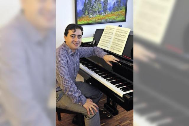 Ein russischer Pianist in Freiburg mit Faible für Brahms und den Sportclub