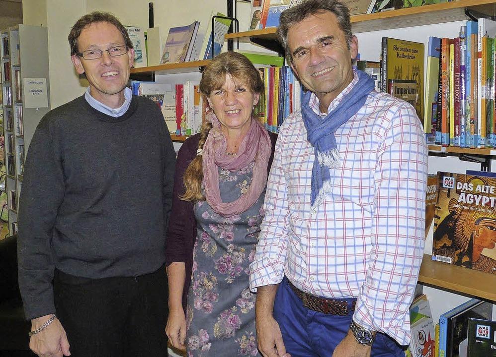 Das Team von Kinderuni und Stadtbücher...ler, Marina Huber und Helmar Burkhart   | Foto: Sigrid Schneider