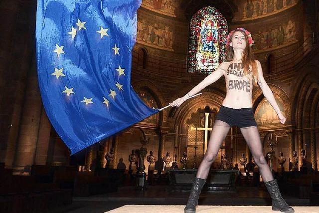Femen protestiert gegen Papst-Besuch im Straßburger Münster