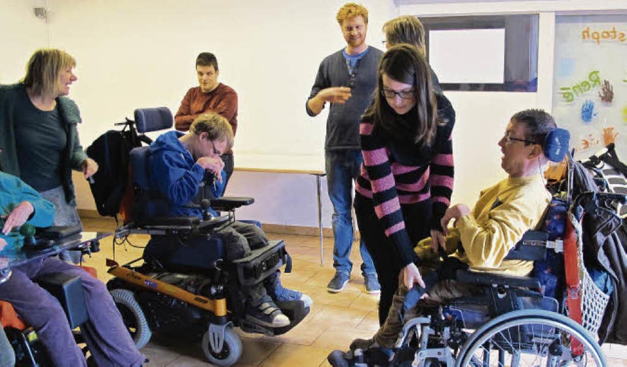 Theaterarbeit mit Behinderten ist für ...Theater behindertengerecht ausgebaut.   | Foto: Tempus fugit