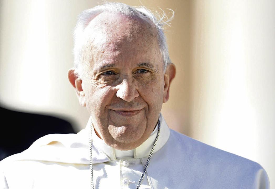 Papst Franziskus erhielt einen Brief des mutmaßlichen Opfers   | Foto: dpa